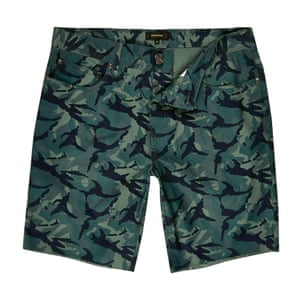 camouflage patterned shorts green black