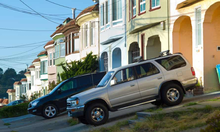 SUVs in driveways, San Francisco, California, USACBP487 SUVs in driveways, San Francisco, California, USA