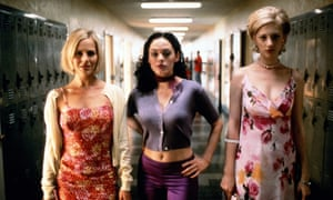 Rose McGowan (centre) with Julie Benz and Judy Greer in Jawbreaker (1999).