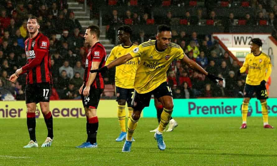 Arsenal's Pierre-Emerick Aubameyang celebrates his equaliser.