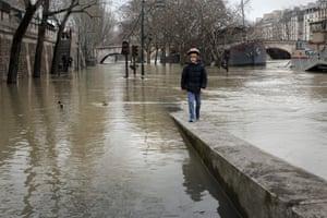 The flooded Seine