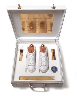 2005: Superstar #35 was entirely handmade and presented in a white case with gold-plated hardware.