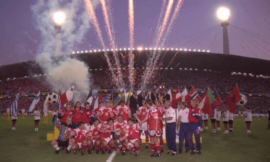 Denmark celebrate victory over Germany in the 1992 final in Gothenburg.