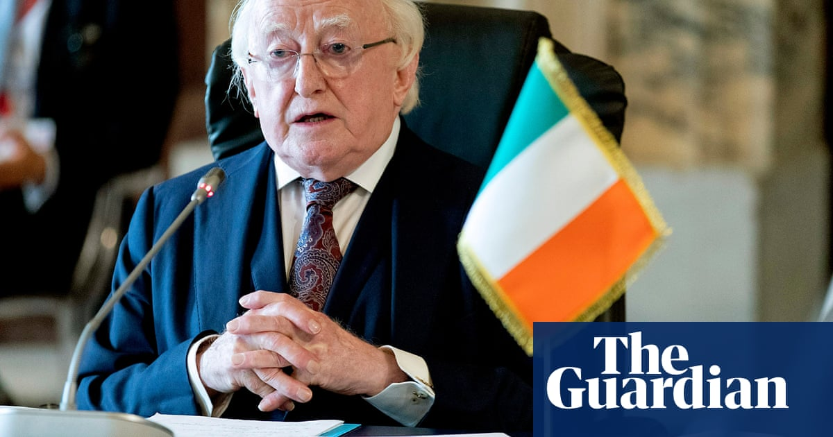 Irish president urged to attend centenary service with Queen