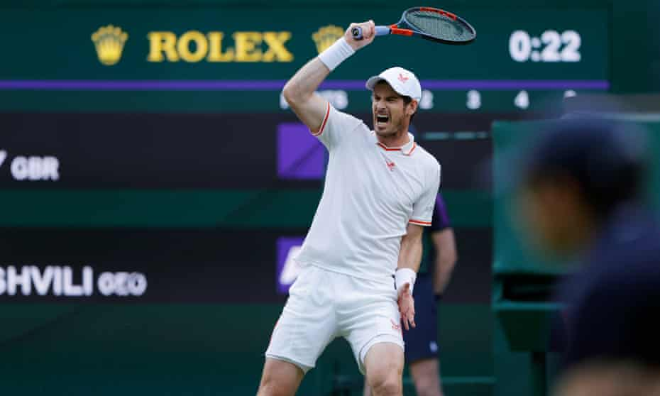 Andy Murray started strongly against Nikoloz Basilashvili before his form collapsed in the third set.
