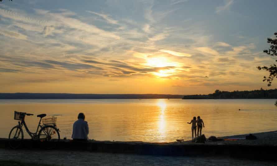 Coucher de soleil au lac Ammersee, Herrsching am Ammersee.