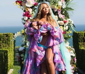 Beyoncé with her twins, Sir Carter and Rumi.