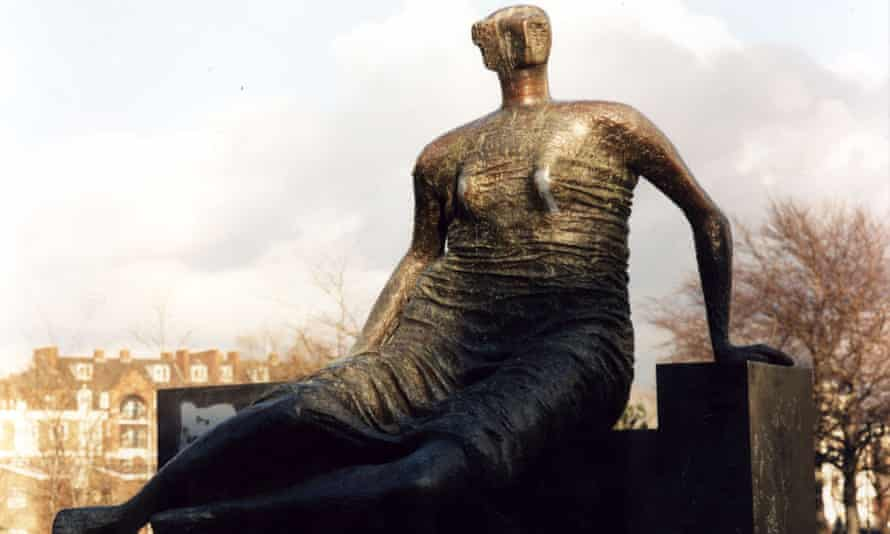 Henry Moore's scultpture Draped, Seated Woman,