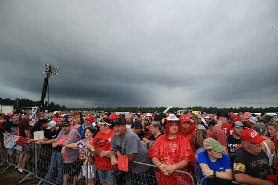 Supporters of Trump at the Cullman rally.