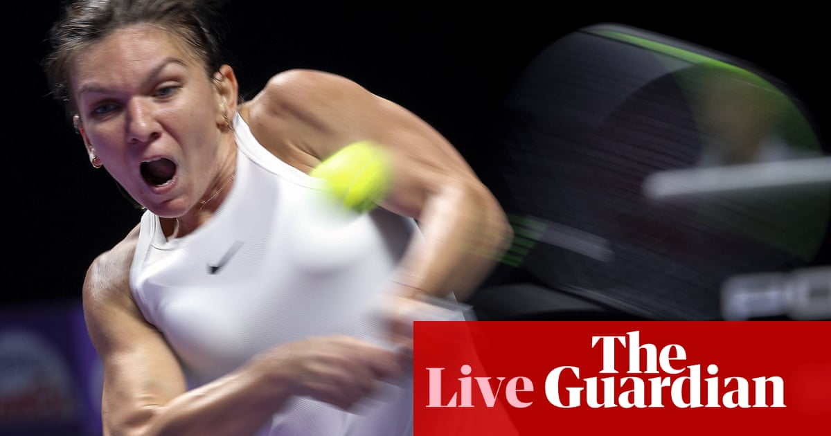 Simona Halep fights back to beat Bianca Andreescu: WTA Finals – as it happened