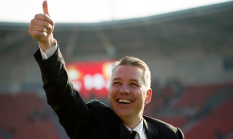 Darren Ferguson: 'Arsène Wenger is sorting the tickets for my father at Arsenal'