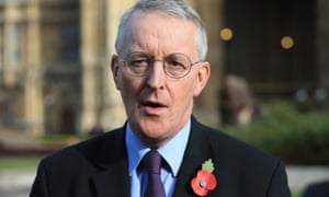 The Labour chair of the Brexit select committee, Hilary Benn, wants party leadership to support staying in customs union.