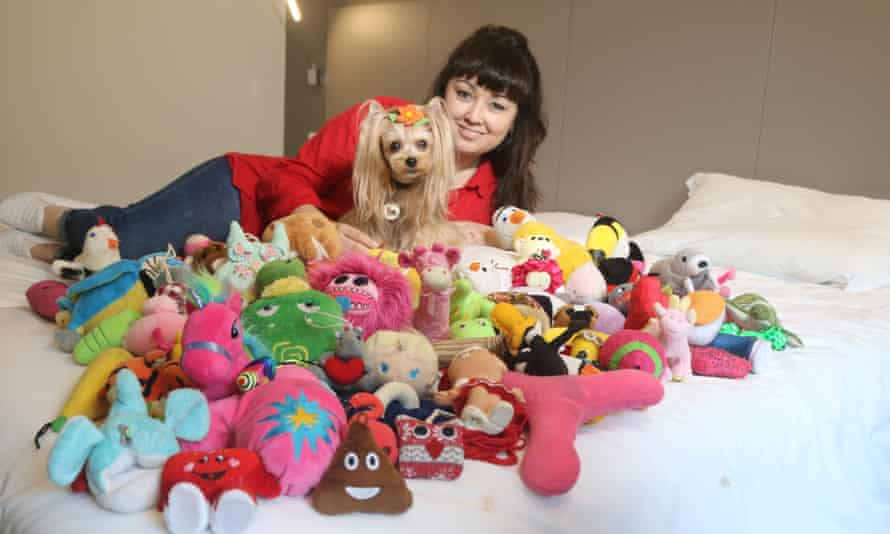 Vicky Nina with her toys and her owner