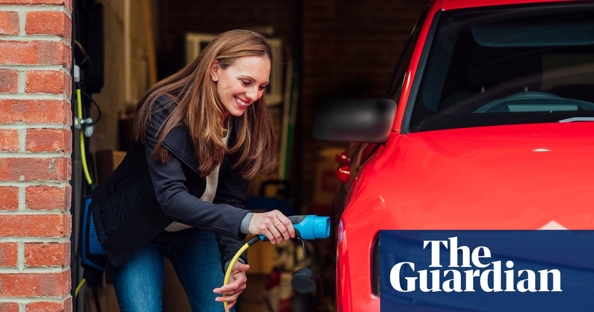 Electric cars: switching tariff could save £300-plus a year