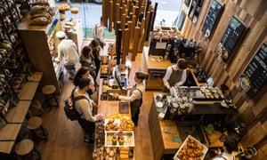 Busy London coffee shop