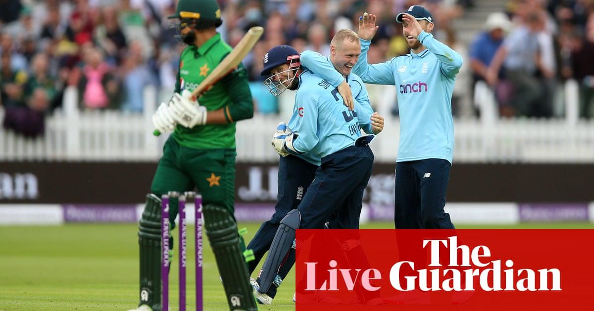 England set Pakistan target of 248 to win second ODI – live!