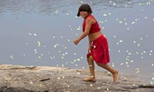 An Araweté woman along the Ipixuna river.