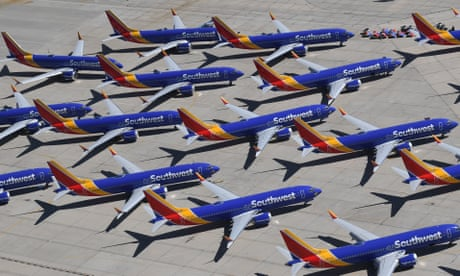 Boeing Max 737: airlines delay plane's return until November