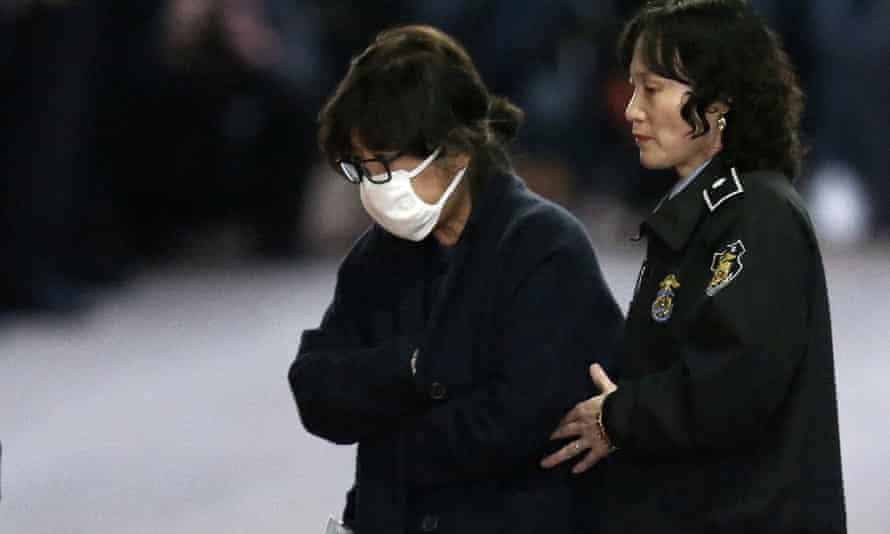 Choi Soon-sil leaves court