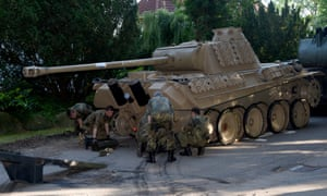 Nazi Panther tank and flak cannon seized in raid on collector in