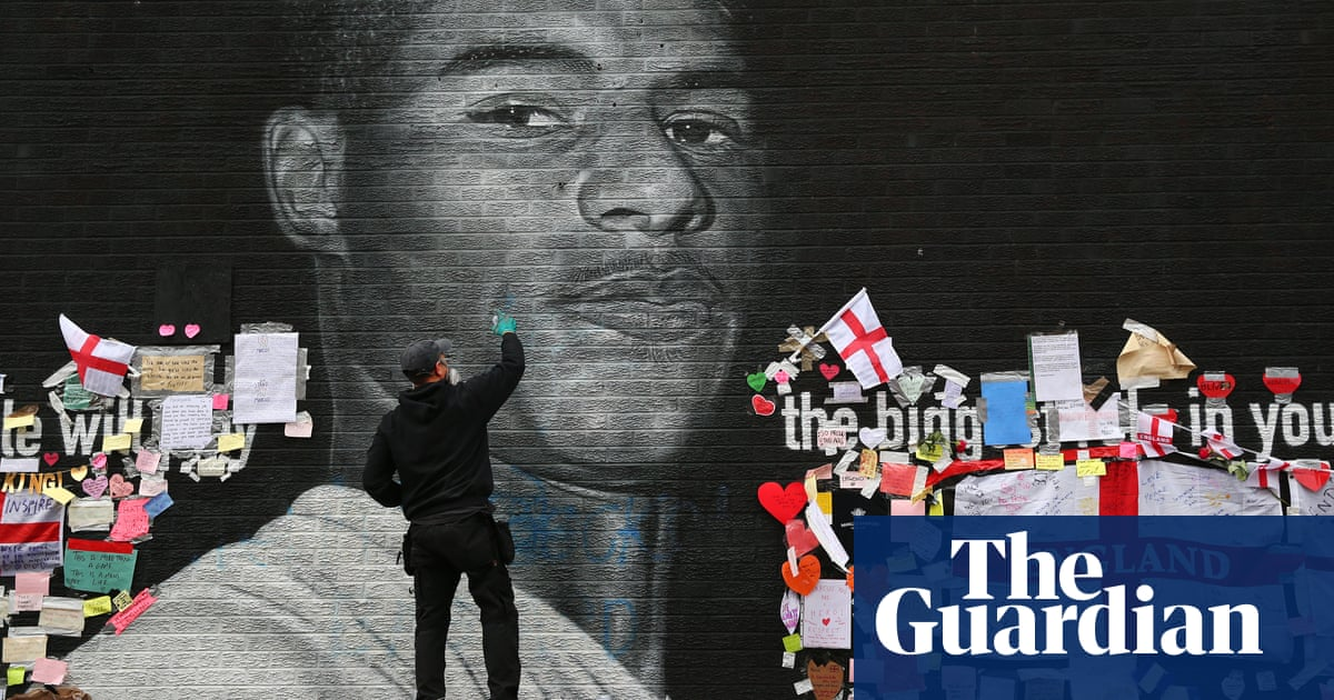 Tech chiefs called in to No 10 over racist posts to England players
