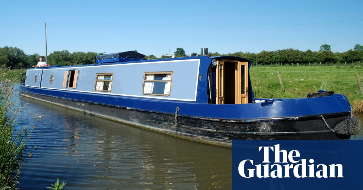 Punts and pedalos are fine, but you can't beat a canal boat for freedom
