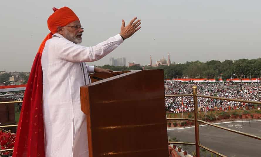 Narendra Modi speaks at the Red Fort in New Delhi