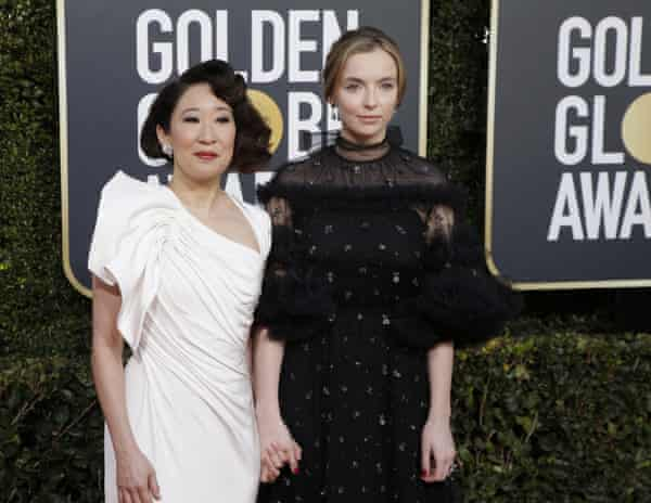 Sandra Oh and Jodie Comer on the red carpet.