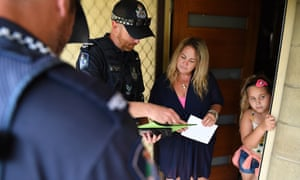 Police conducting evacuations for Cyclone Debbie
