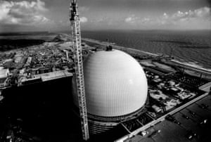 Sizewell B nuclear power station, Suffolk, October 1993. (Archive ref. GUA/6/9/1/1/N).