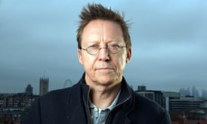 Simon Mayo has previously published books for children and teenagers.