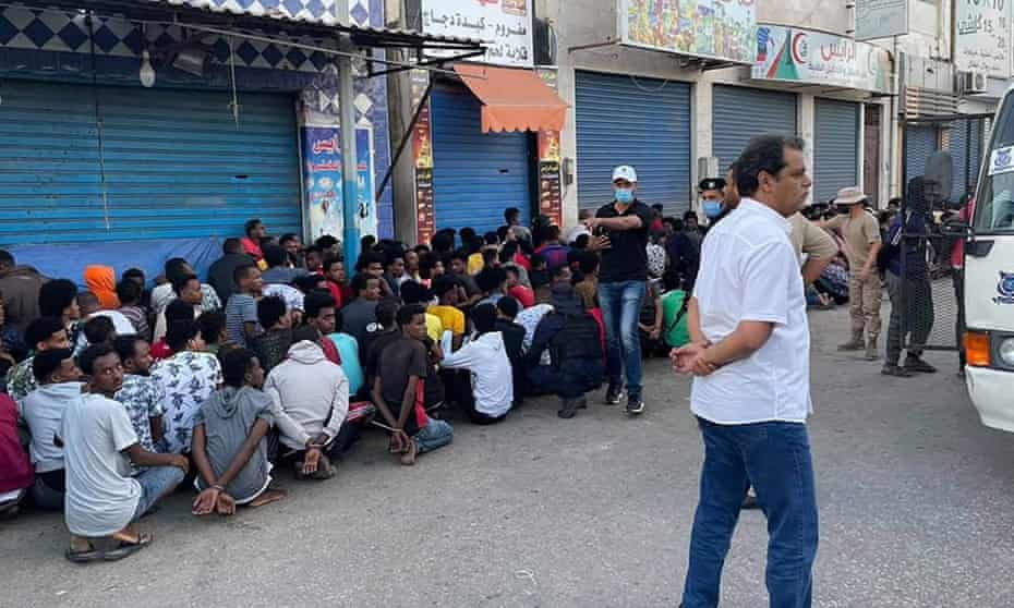 Security forces in Gargaresh (Tripoli) apprehended undocumented migrants incl. women and children.