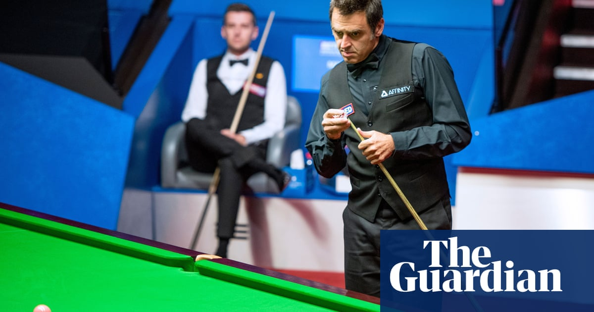 Ronnie OSullivan leads Mark Selby in semi-final hit by worst kicks ever