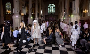 A London fashion week show at St Sepulchre-without-Newgate church