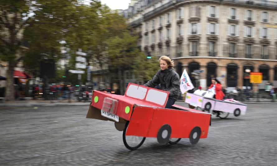 Cyclists enjoy a 'car-free' day' in Paris