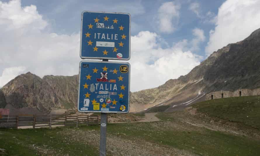 The Col de la Lombarde border between France and Italy