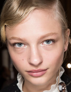 Party glamour: finger waves at Stella McCartney.