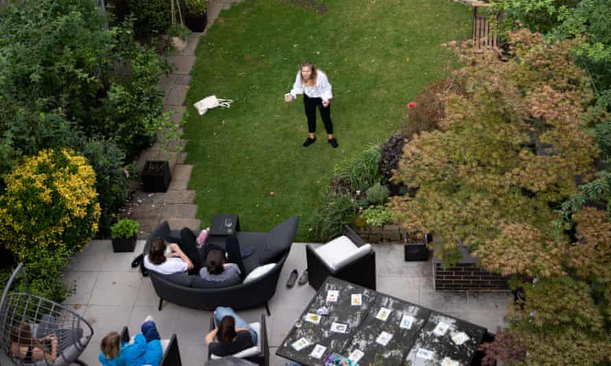 Lucy Aarden's Bard in the Yard performance.