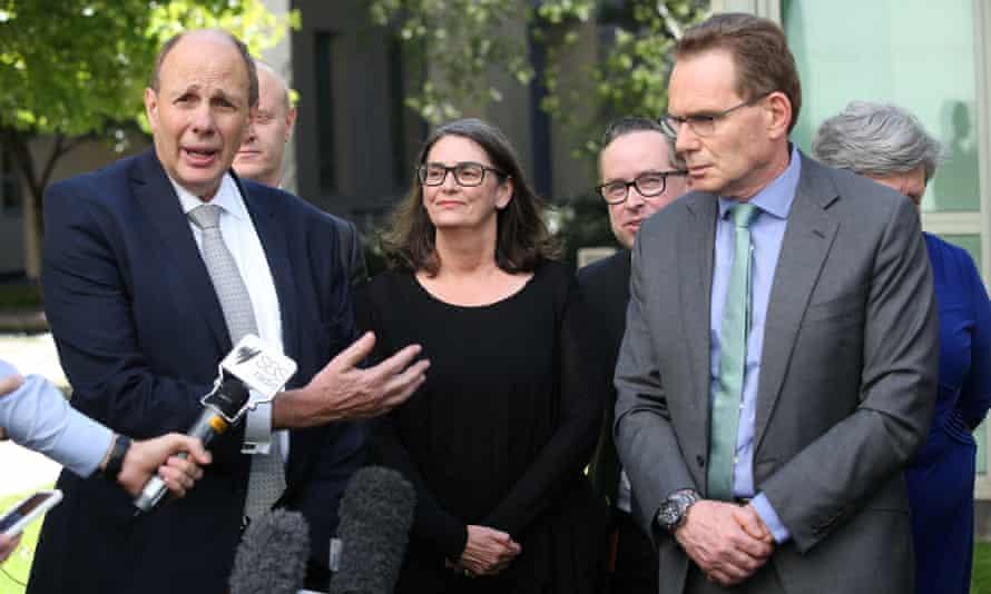Business Leaders Pressure Senators To Pass Turnbull S Corporate Tax Cuts In Full Business The Guardian