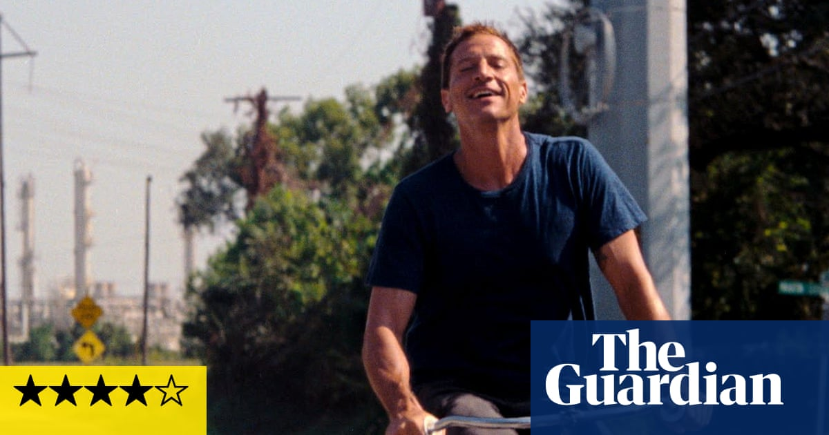 Red Rocket review – Sean Baker's vivid study of a washed-up porn star