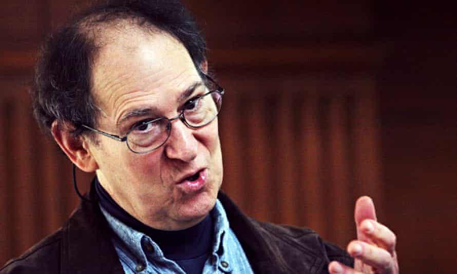 Professor Stephen Schneider talks at Stanford University in 2008.