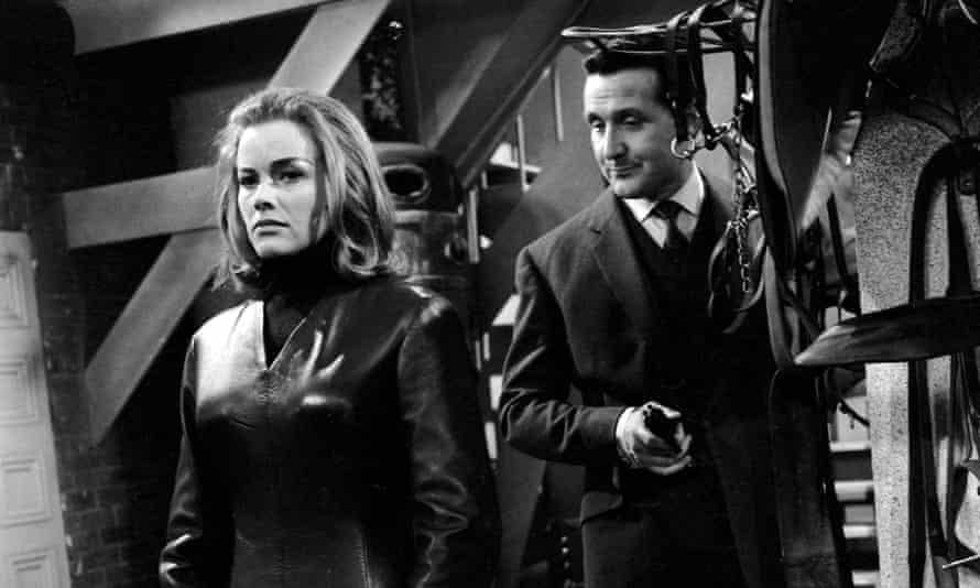 Honor Blackman with Patrick Macnee in The Avengers.
