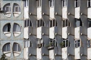 Residential building, 1984, Dushanbe, Tajikistan. E. Yerzovsky