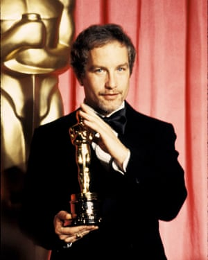 Bet on himself to win … Dreyfuss with his best actor Oscar for The Goodbye Girl.