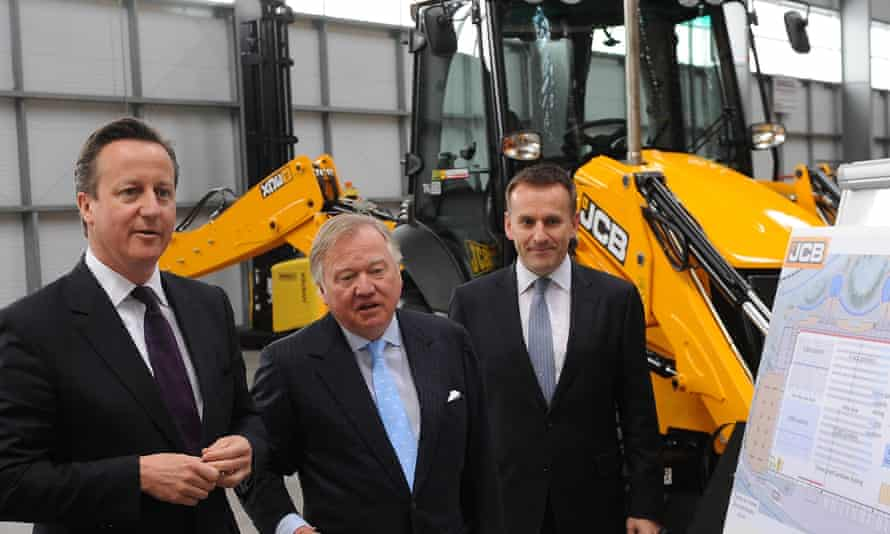 David Cameron tours JCB site with Bamford