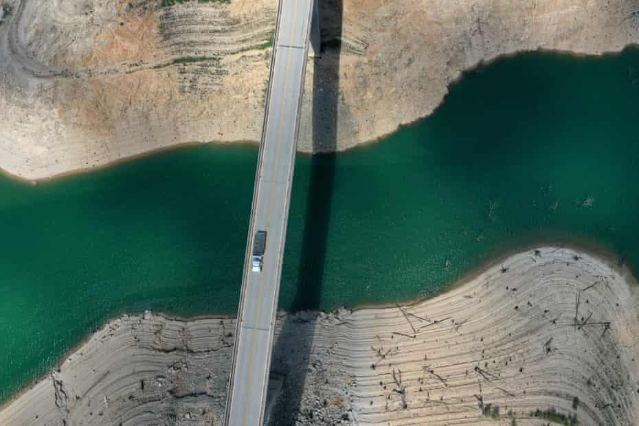 Les niveaux d'eau au lac Oroville ont chuté à 39% de la capacité.