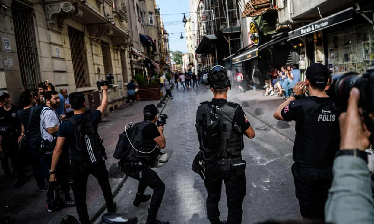 Several hundred police officers disperse protesters in Istanbul's main Taksim Square