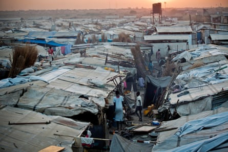 Makeshift shelters at the UN camp in Malakal, 7 December 2016, which is now home to more than 33,000 people from the Nuer and Shiluk tribes.