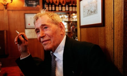 Peter O'Toole at the Coach & Horses pub in Soho in June 1999