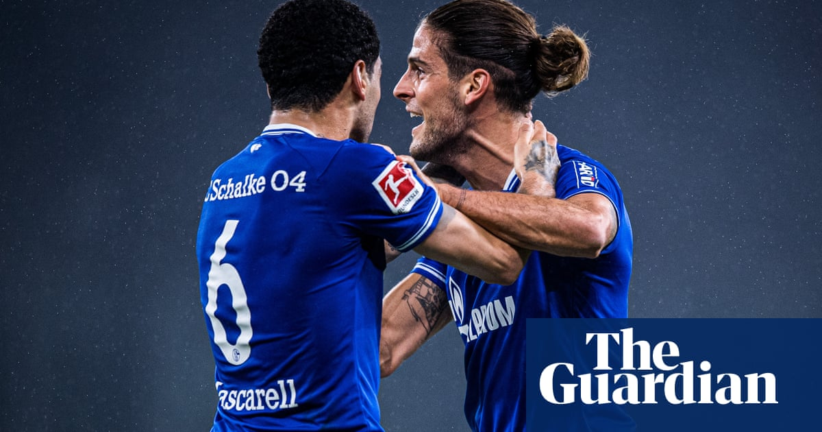 Schalke finally show fight but fans send warning before Dortmund derby | Andy Brassell